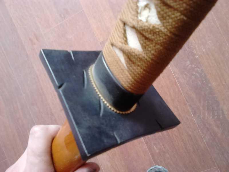36)Катаны. Боевые и сувенирные образцы.